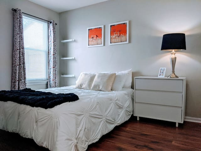 2 Beds in a Charming Townhome