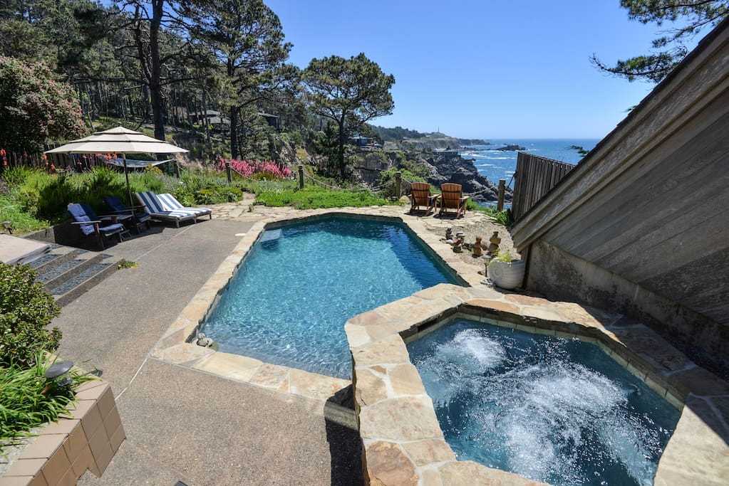 South facing pool & spa on top of 80 foot bluff overlooking ocean cove