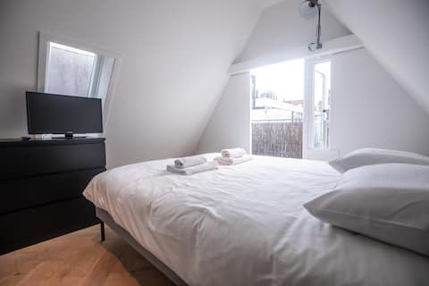 Spacious Private Room 1 Min From Anne Frank House