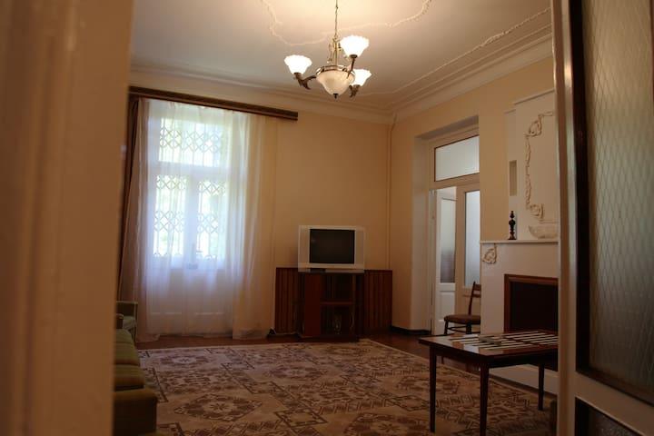 2-х комнатная кваратира в центре г.Сухум - Kolkhida - Apartamento