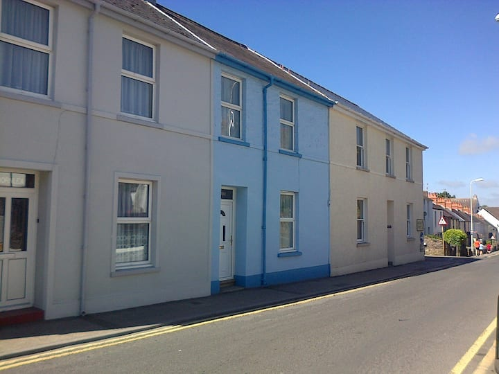 A Family Cottage in Tenby