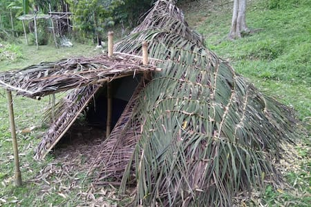 Unique Tent Glamping in a Thatched Hut - Raub - Namiot