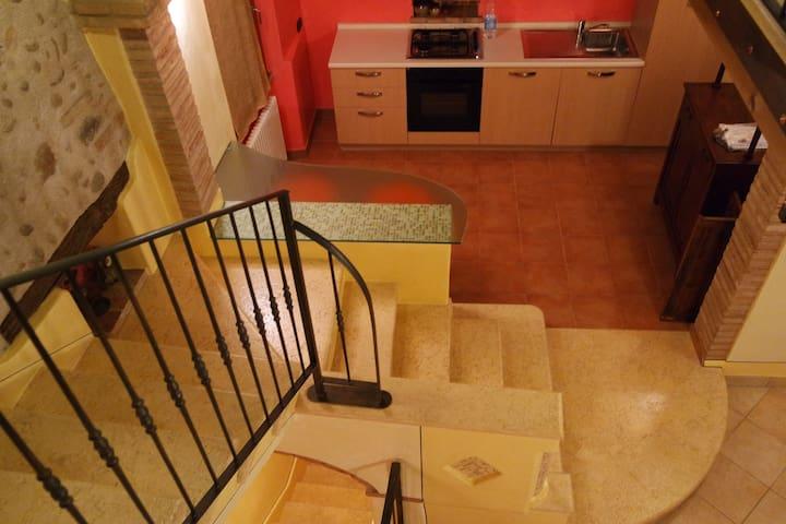 Casa/loft per amanti della tranquillità - Cavriana - Hus