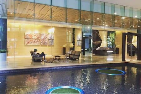 Sunny Lake View Modern & Clean Apt 近双子塔&领事馆/空中泳池 - Kuala Lumpur