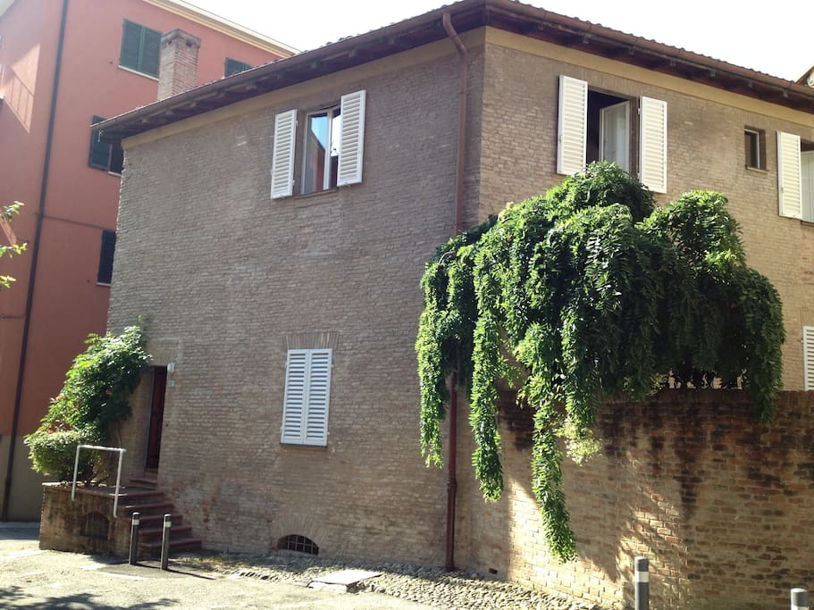 Esterno del palazzo - outside our building