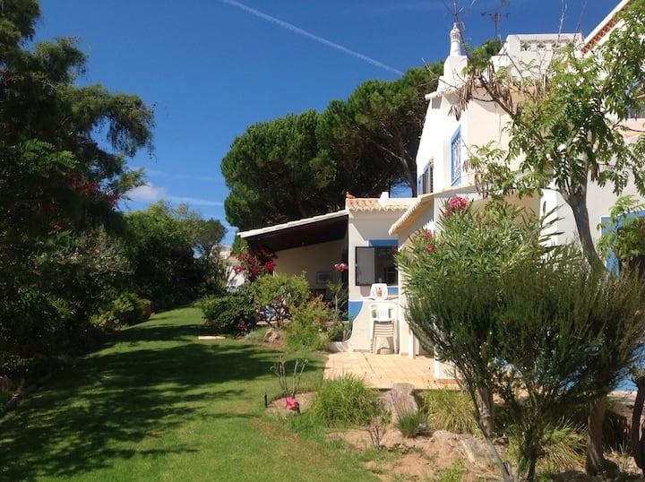 Lovely villa in great location!