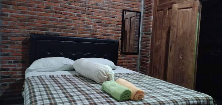 Tirta. Confort stay in Joglo Mriyunan Yogyakarta