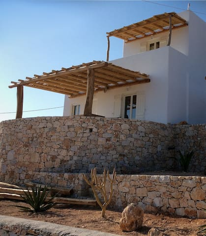 PETALIDES RESIDENCIES 2 - Donoussa - Bed & Breakfast
