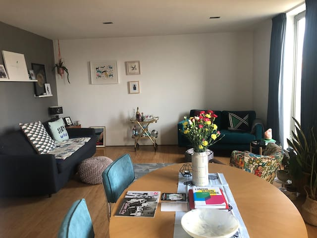 Welcoming East London flat//Shoreditch & Dalston