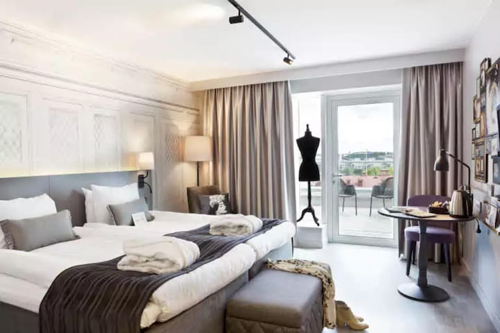 Intimate Double Superior King Bed At Gothenburg