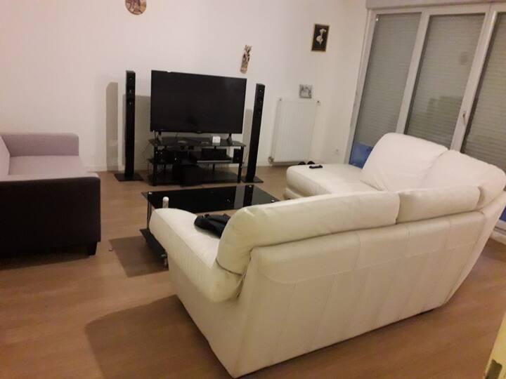 Belle appartement propre dans un Cartier très calm