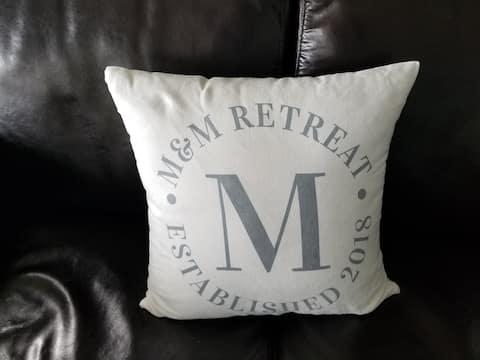 M&M's Lakeshore Retreat