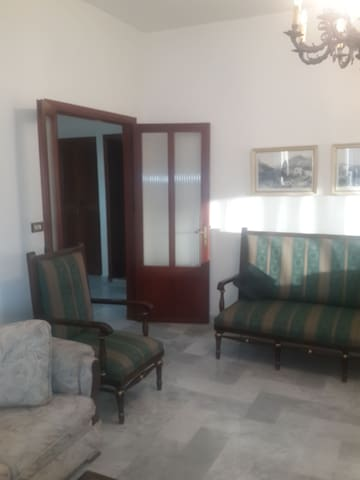 200 m2/ 3bedrooms/3wc/private parking for 1 car
