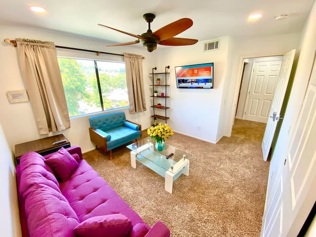 Private luxury one bedroom Suite with living room