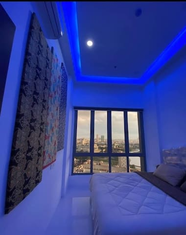VIEW OF MAIN BEDROOM (KING BED) WITH FANCY BLUE LED LIGHT ON