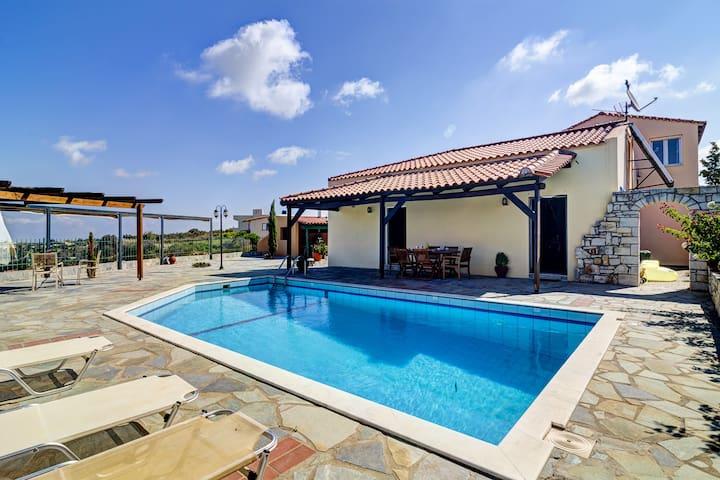 Comfortable pool villa with view to Cretan Sea