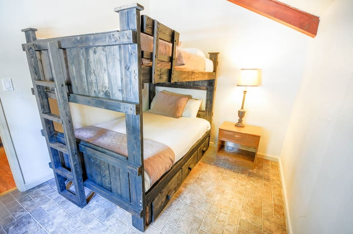 2nd bedroom -  full-sized bunk-style beds.