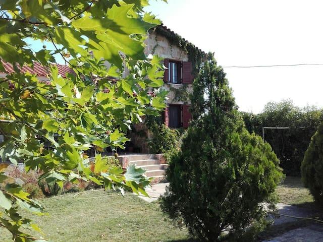 Traditional mountain house Dervenochoria