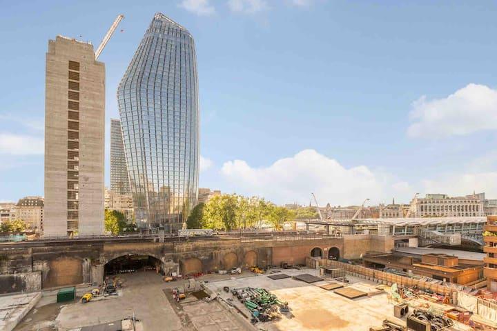 Perfect Loft Living - Thames Southbank - Central