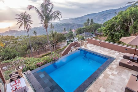 Spectacular Ocean Views - 2 BR Villa w/pool