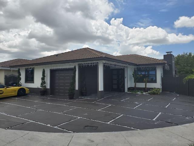 Cozy Studio Apartment in kendall, suburbs of Miami