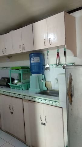 family room w/ kitchen