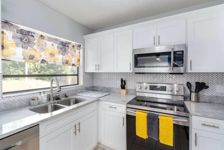 1Gorgeous Residence - Fully Sanitized & Secure