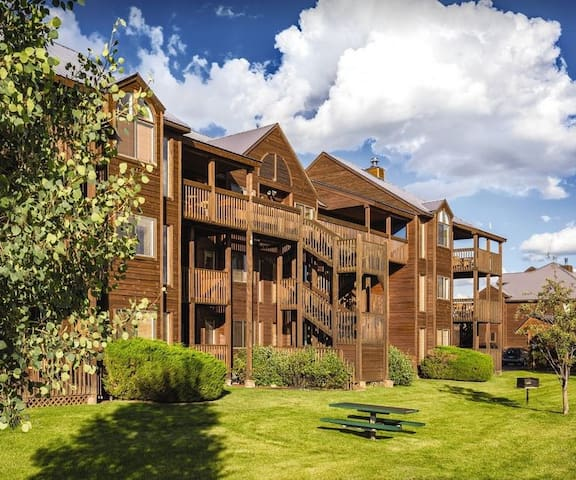 Two Bdrm Deluxe Mountain Lovers Pagosa Retreat