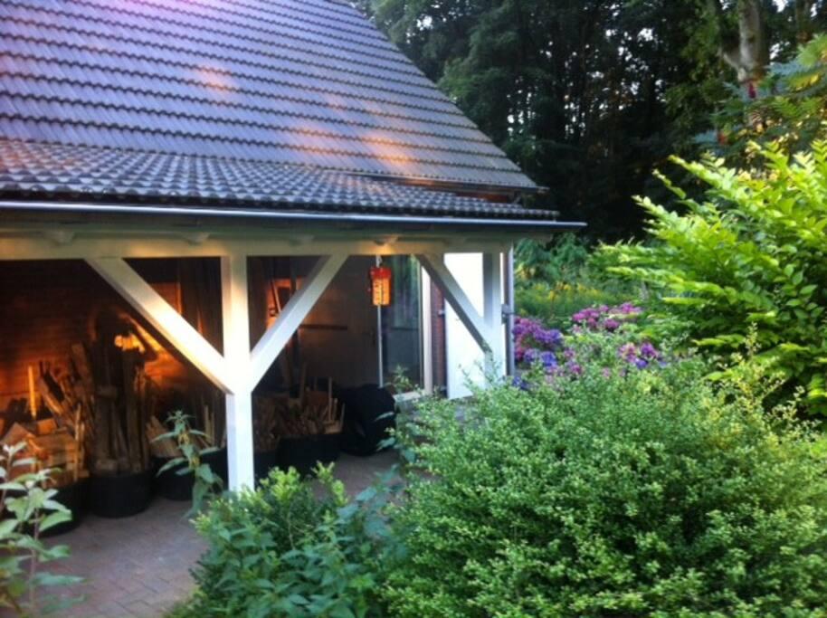 's Avonds urenlang genieten op de veranda van de bosgeluiden. Grote kans dat je de bosuil hoort!