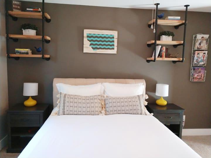 The Westside Nest - Cozy & Convenient!