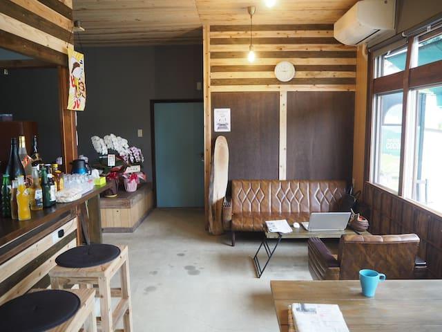 【4名個室】秋吉台・秋芳洞ゲストハウス&カフェパブ「TRIP BASE COCONEEL」