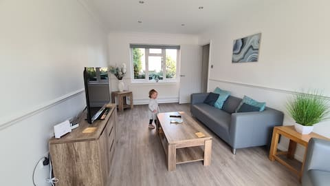 Rayleigh House  Self Catering