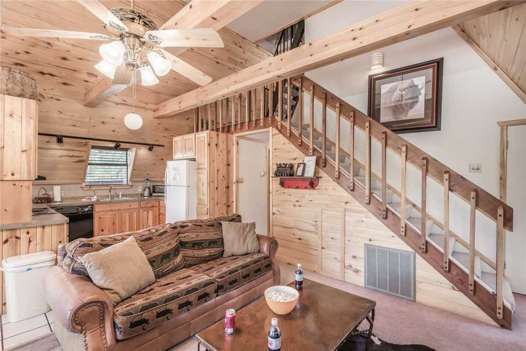 Log Cabin Charm - Guests will love the rustic interior if this cozy lodge!