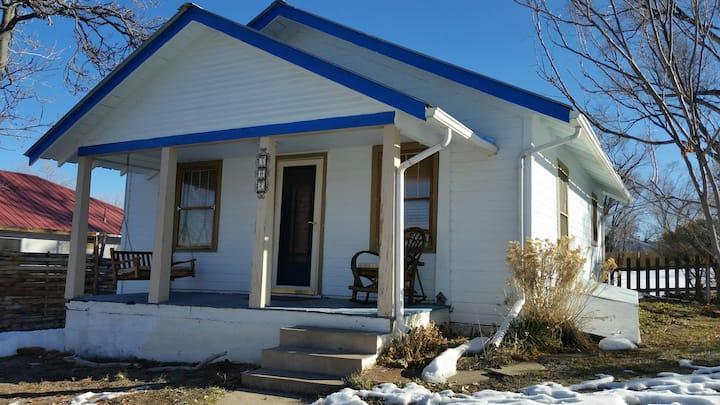 Kush Cottage ~Heart of Cortez~ Colorado Friendly!