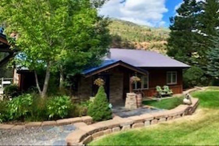 The Ouray Suite Spot  (Ouray, Colorado)