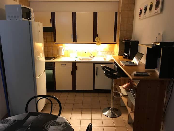 Appartement propre, meublé et spacieux.