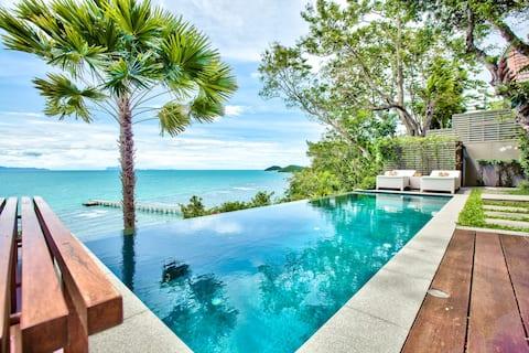 The Headland Villa 2, stunning beachfront, Samui