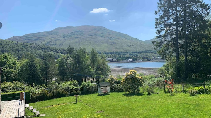 Stunning Lochside Lodge at the Foot of The Cobbler