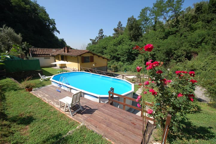 Holiday home on the hills of Val di Nievole between Lucca, Pistoia and Montecatini, private pool