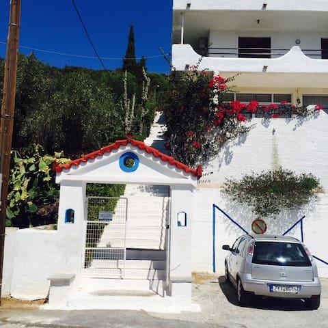 Daskalio studios next to the sea near Ath.Airport - Daskalio - Condominium