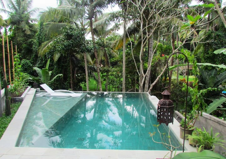 PROMO! 2BR private pool with view near Yoga Barn