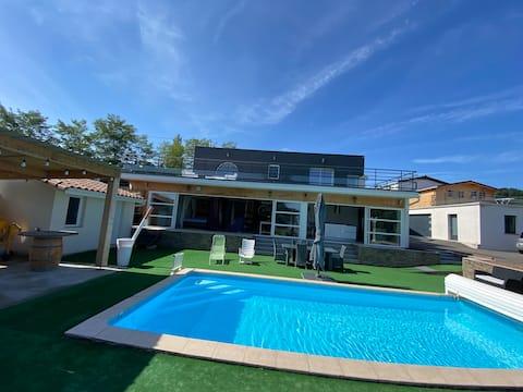 Loft avec piscine