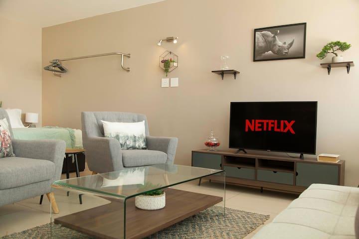 Modern Apartment In Vibrant Cape Town City Centre