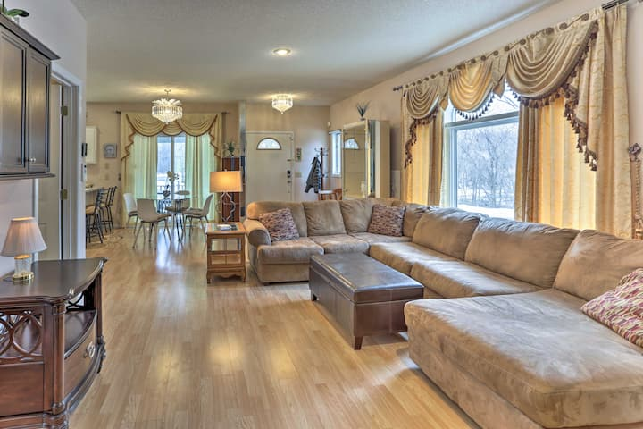 Beautiful 6BR Home Near Airport & Mall of America!