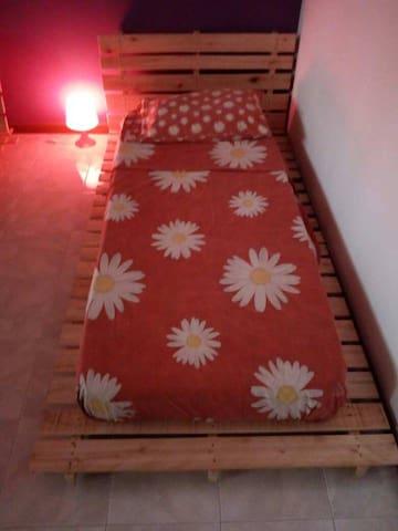 Single bed futon style