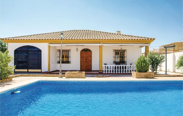 Holiday cottage with 3 bedrooms on 112m² in Montemayor