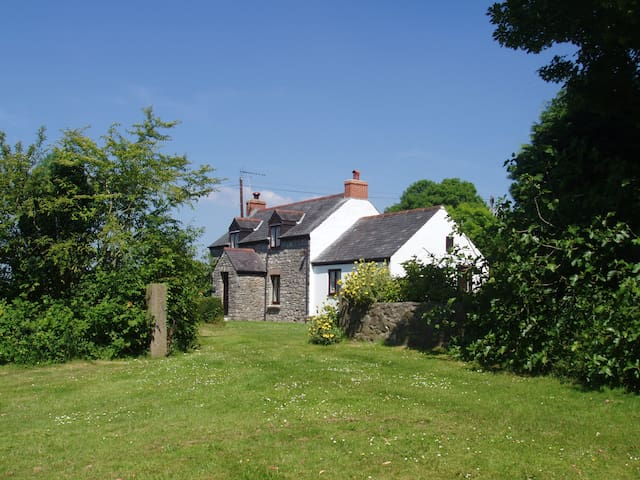 Hillside Cottage, Pembrokeshire National Park