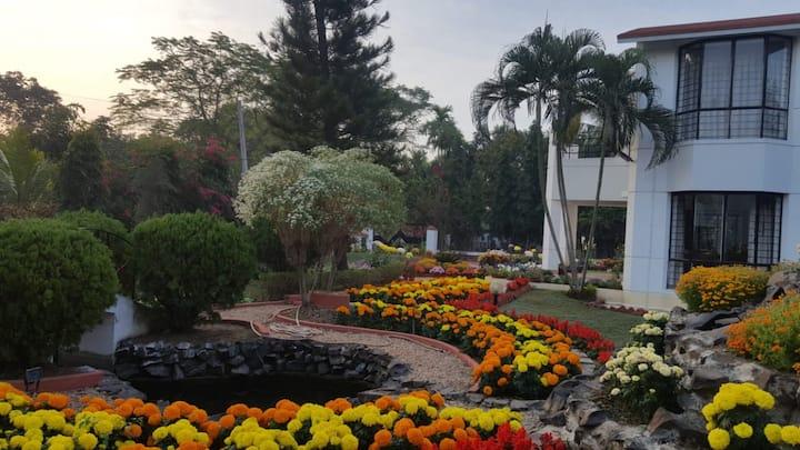 Garden Paradise Villa in Shantiniketan