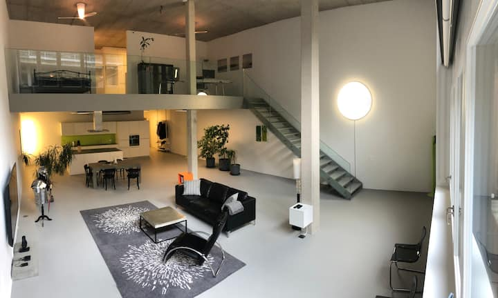 Loft am Walensee (mit Indoor Tennisplatz/Wellness)