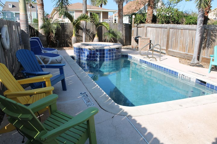 Cognito - Private heated pool & hottub Near beach